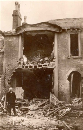 bomb_damage_1915_s-GY-Museums